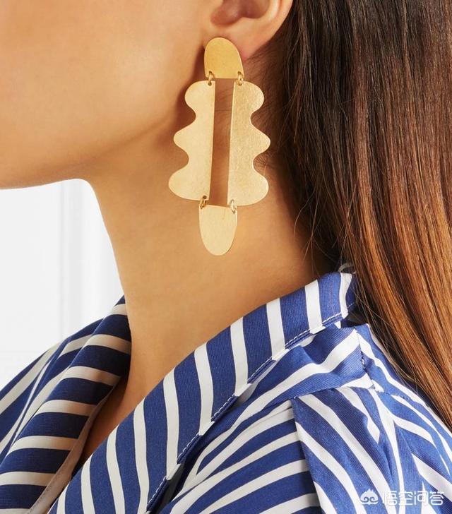 情人节礼物耳钉自营,想送女朋友耳环,什么品牌适合一点?(送女朋友耳钉什么牌子好)
