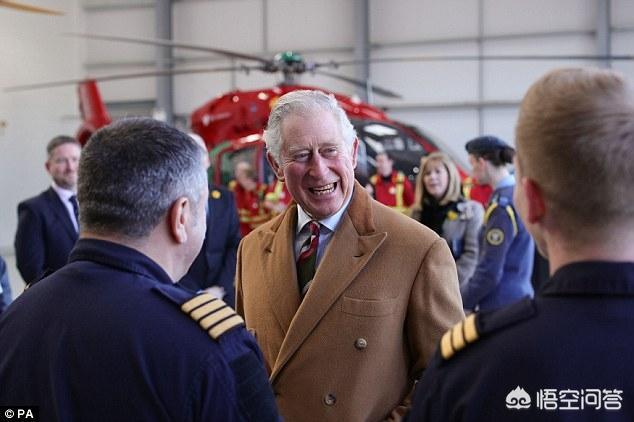 查尔斯王子已经快70岁了,为什么英国女王还不退