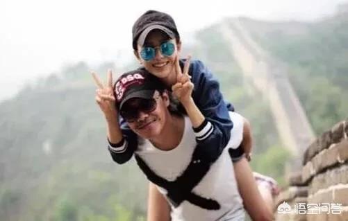 陈思诚背佟丽娅长城游玩照又引热议,网友为何
