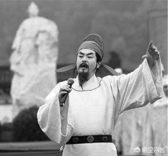 如何评价00后诗人姜二嫚在节目中的表现?