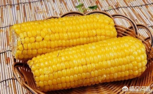 玉米、黄瓜、土豆和火腿能做什么菜?(火腿肠炒黄瓜玉米的做法)