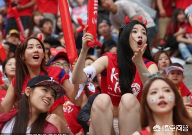 c罗送小球迷球衣梅西10年轰522球2400多名韩国球迷准备起诉C罗,警方也立案,如何评价?