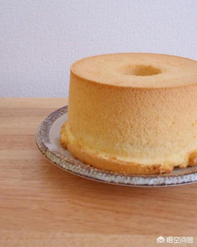 制作戚风蛋糕,不回缩的好办法是什么?(防止蒸蛋糕回缩的办法)