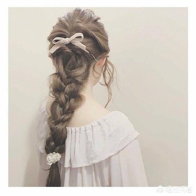 教师节礼物发型编发,齐肩发怎么编出好看的编发?
