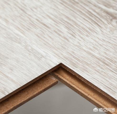 木地板一般多少钱一平方?(铺木地板人工费多少钱)