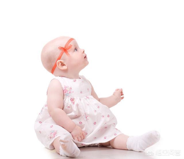 7个月的孩子总是动不动就打人,这样正常吗?怎么解决这个问题?