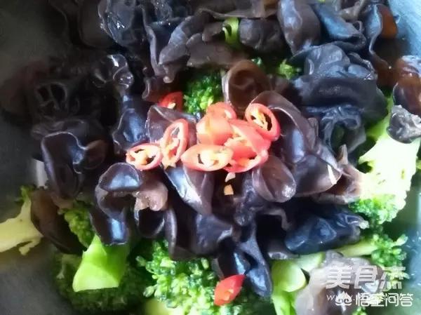 西兰花有哪几种比较好吃的做法?(西兰花怎么做好吃)