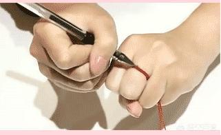 瞒着女朋友偷偷给她礼物,求婚戒指应该瞒着女朋友买吗?