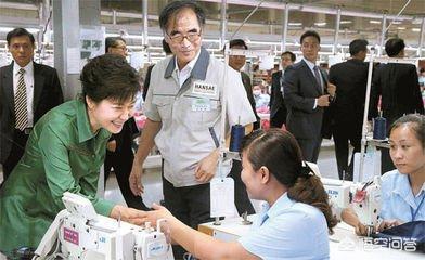 朴槿惠阅兵出丑:朴槿惠是不是政治斗争的牺牲品?