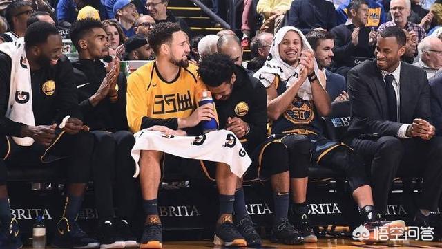03年的第一阵容是不是NBA历史上最强的年度第一阵容?NBA承载了球迷的记忆,在你的记忆中,NBA哪一场比赛或者哪一个进球震惊或感动到你?