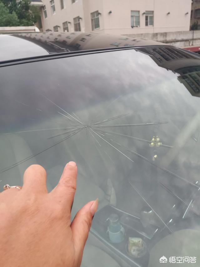 在襄阳哪里更换汽车玻璃服务比较好?