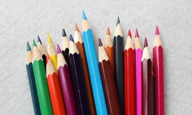 手画图片,画手帐图用什么笔比较好?