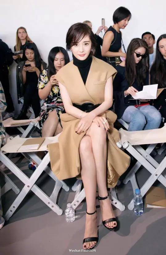 杨幂、唐嫣齐齐亮相纽约时装周,谁的气场最抢风头?