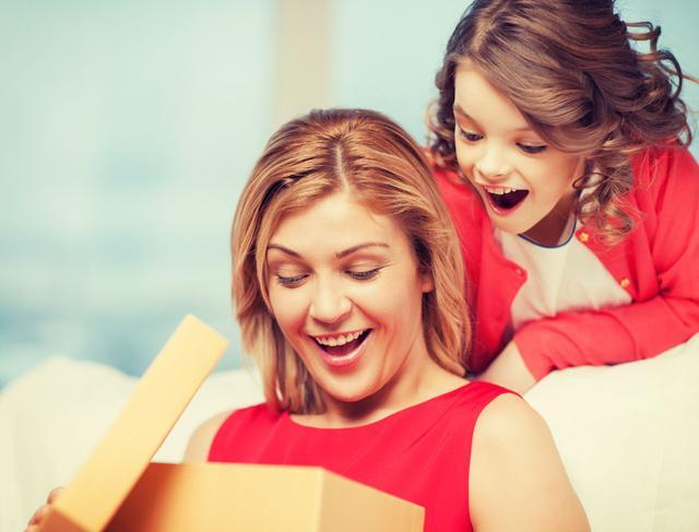 家委会怎么策划初一教师节礼物,老师很偏心家委会的孩子我们该怎么办?