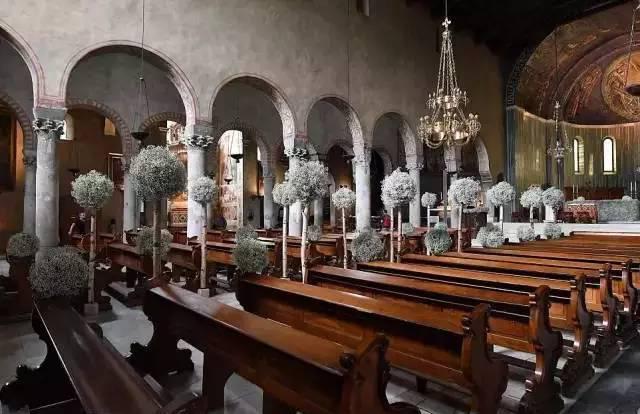 施华洛世奇家族千金出嫁,这位世界级名媛的婚纱是谁设计的?