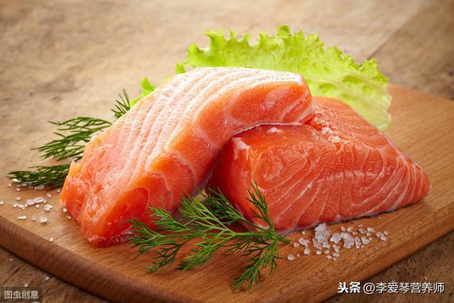 三文鱼能传染新冠病毒肺炎吗?