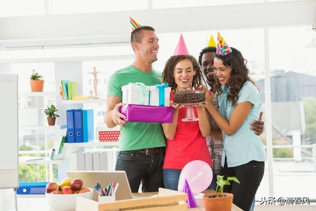 朋友男朋友过生日应该送礼物吗,朋友的男朋友过生日该送多少钱?