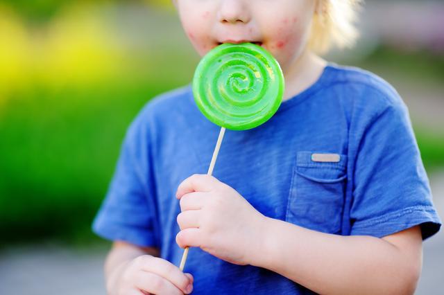宝宝起湿疹,是对蛋白过敏吗?该怎么做?