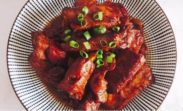 红烧排骨,到底怎么做才是最美味的呢?(红绕排骨的做法红烧)