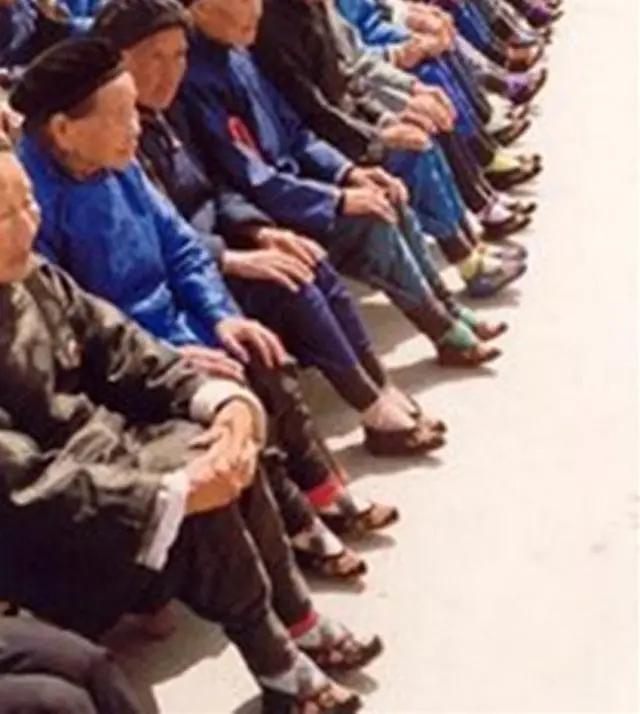 2014美甲图片脚:为什么裹小脚这种残忍的行为,在当初的民间非常盛行?(相关长尾词)