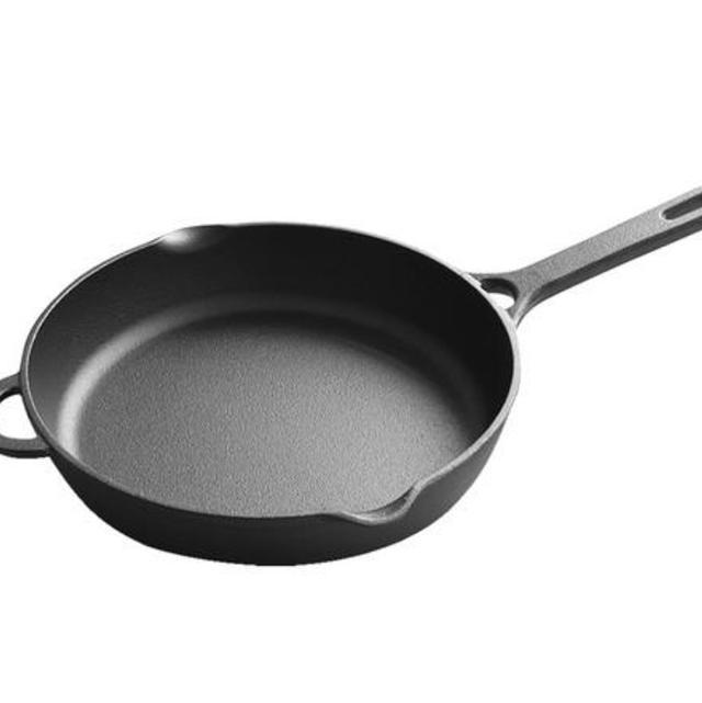 麦饭石炒锅,铸铁锅和麦饭石锅哪个好用?