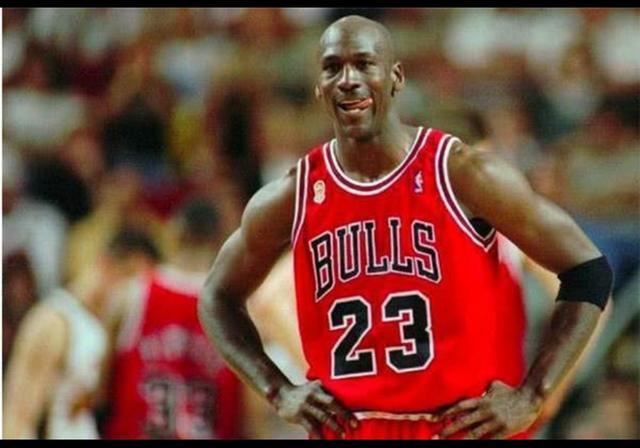 NBA历史最佳阵容应该是哪五位?NBA史上,还有哪记绝杀比乔丹绝杀爵士更有意义?(图8)