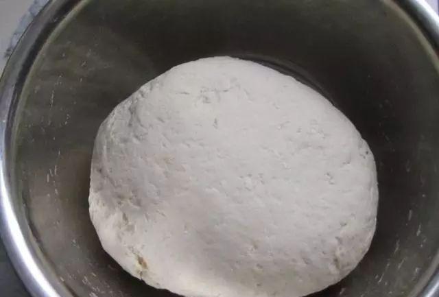 半烫面驴肉火烧饼皮制作过程?(驴肉火烧饼皮制作过程)