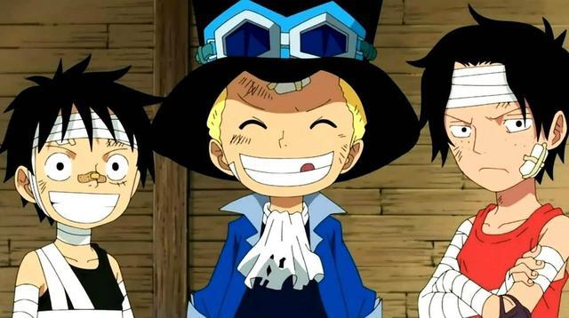 三人基友头像一人一张,《海贼王》路飞三兄弟谁最强?