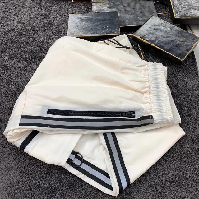 什么牌子的裤子穿起来舒服!又看起来有气质?