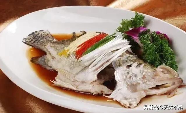 什么鱼适合清蒸?比如清蒸鲈鱼怎么做才好吃?
