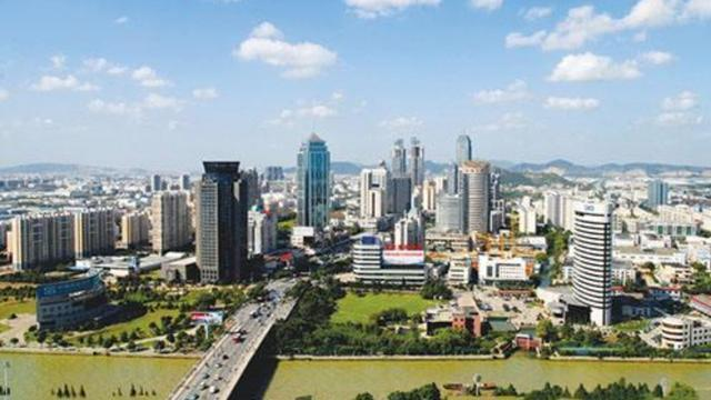 大学生留沈就业创业,南京是否适合大学生留下来?