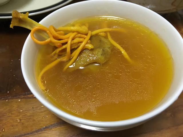 黄花胶可以和黑木耳一起炖汤吗?(黄花菜和木耳能一起吃吗)