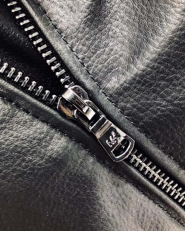 有没有好看点的质量好的,价钱亲民的工装品牌推荐?