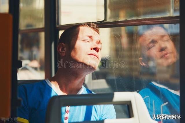 在公交车急刹车的时候都发生过什么尴尬的事情?