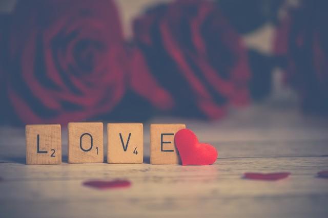 七夕微信朋友圈:让每天都充满浪漫和温馨,你和你的那位能做到吗?