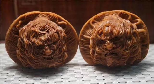 招财鼠核桃是什么品种 文玩核桃中骨质最硬的品种 哪位文玩核桃界的大神帮忙看看这是什么品种?谢谢啦?
