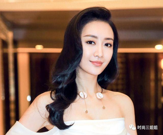 张悠雨魅感图片,国内哪个女演员最漂亮身材最好?