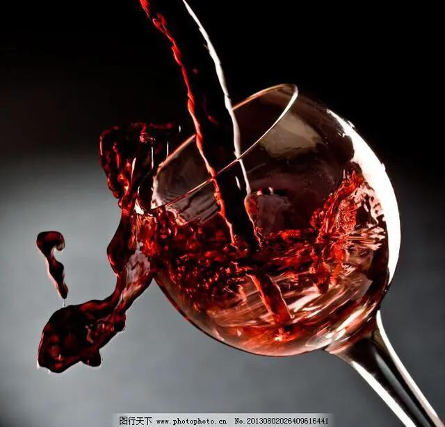 喝红酒图片生活照,喜欢喝红酒的人都是些什么人?