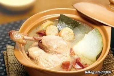 汤怎么做好吃,风干鸭白萝卜汤的家常做法?(白萝卜炖鸡肉家常做法)