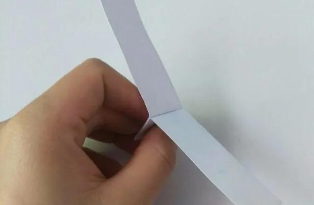 吸管和硬卡纸做教师节礼物,小学四年级手工制作怎么做?