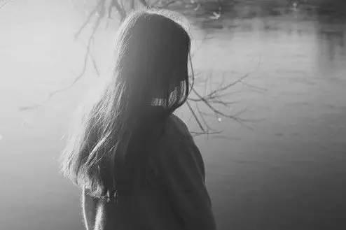 对感情死心的句子:想彻底放弃一段感情的说说?