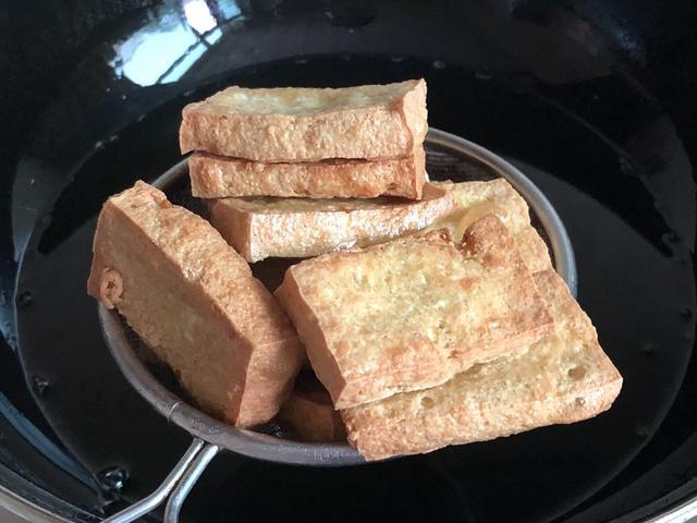 东北豆腐蘸酱的酱的做法?