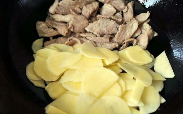 红烧土豆五花肉的做法都有哪些?