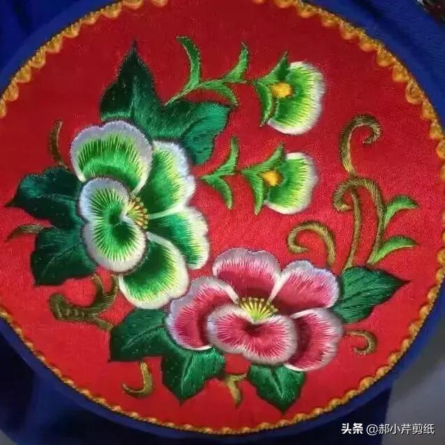 圣诞节礼物手工刺绣,刺绣手工艺能做成什么样的东西?