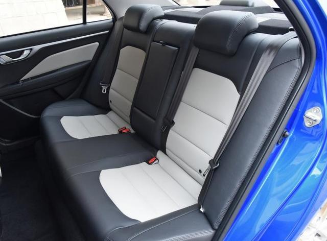 新手司机想买一辆吉利远景,为什么有人说这车好,有人说这车不行?(图4)