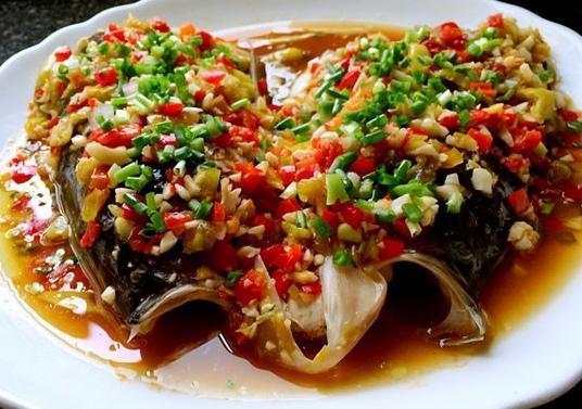 剁椒鱼头怎样做好吃,地三鲜的做法?