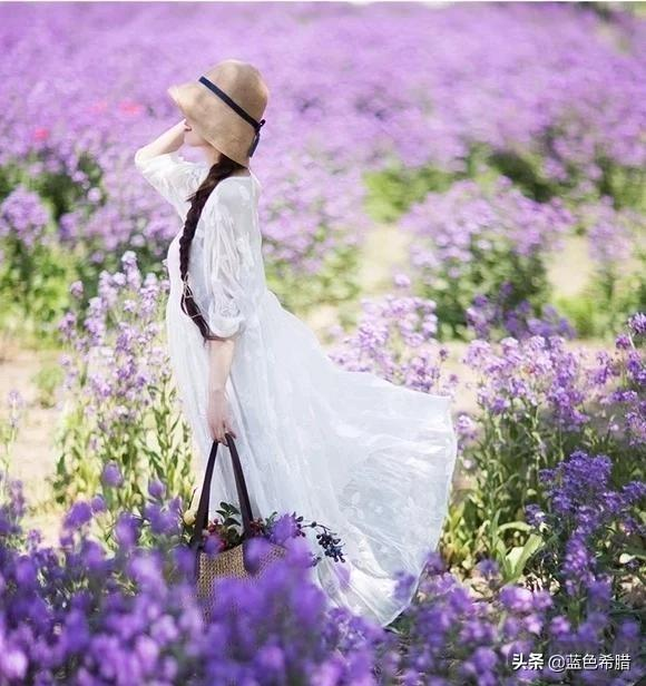 夏天拍摄女生人像,戴草帽是不是很容易出片?