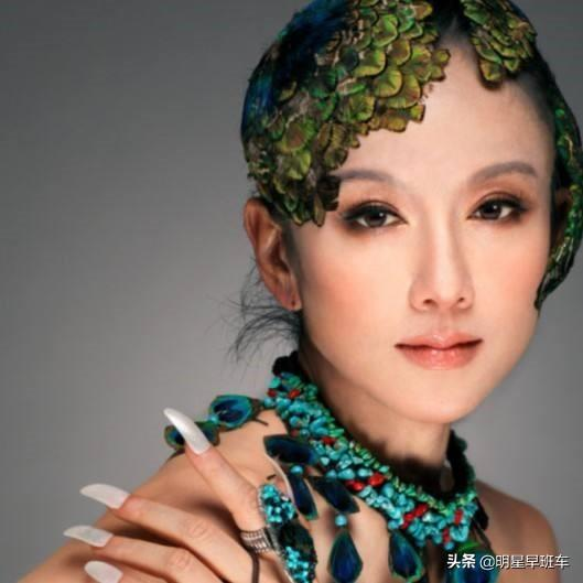 跳舞的图片,杨丽萍的舞蹈有看不懂的人吗?