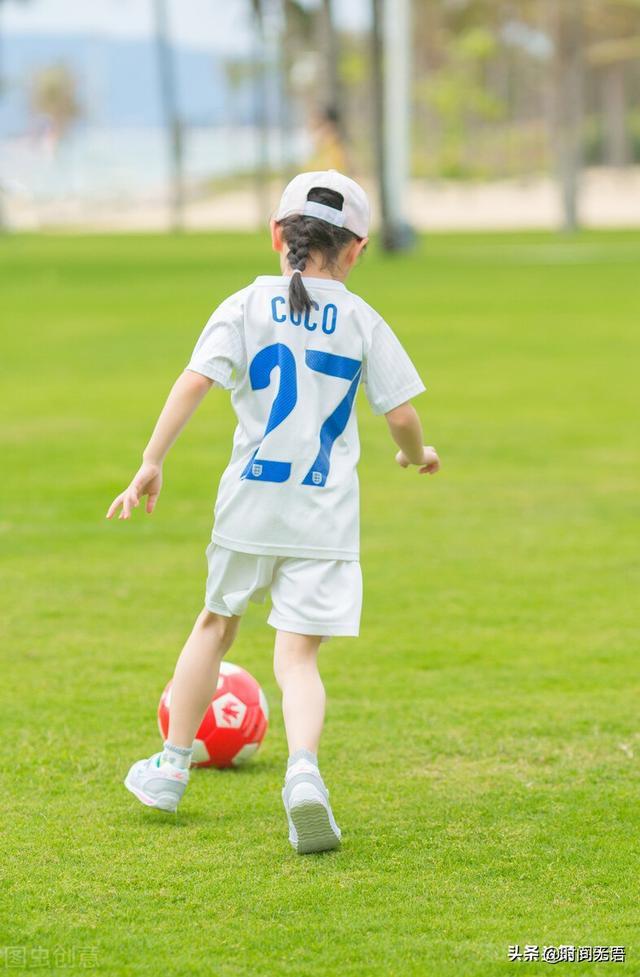 国足再次0比3输球,为什么赛后还笑的那么开心呢