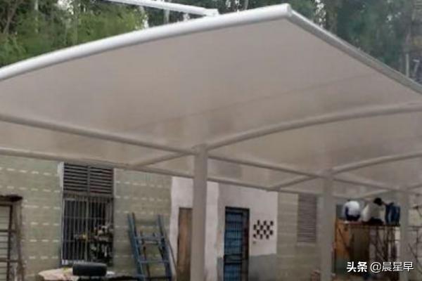 钢结构雨棚报价多少钱一平方米?